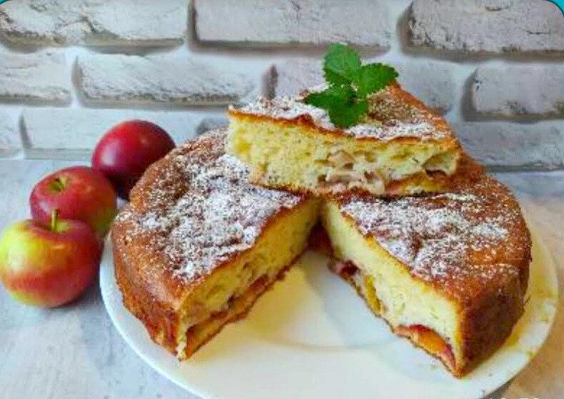 Пирог с яблоками и сливами - это очень вкусно!