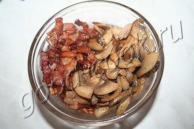 Грибной соус с беконом и сливками