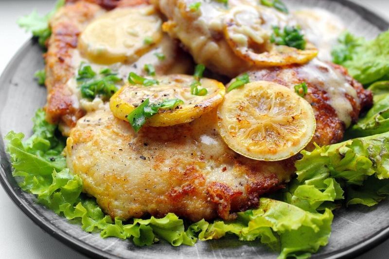 Как перевернуть представления о вкусе куриной грудки: Рецепт «Курицы по-французски»