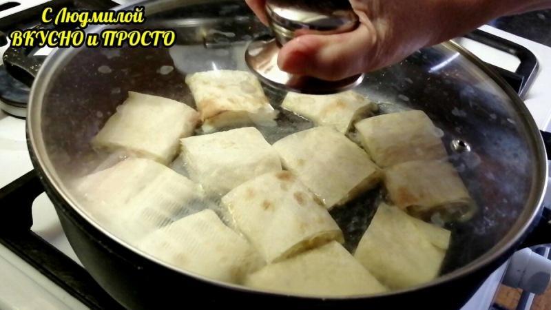 Никто не догадается, что эта сладкая вкуснятина из лаваша (без сыра). Делаю детям на завтрак за 10 минут, правда 😉