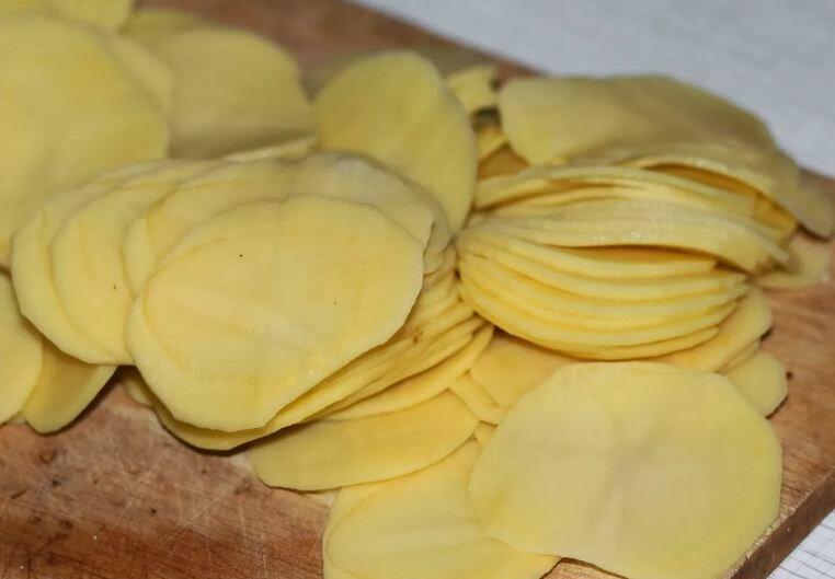 Простая до невозможности запеканка с картошкой и фаршем