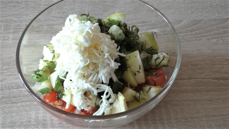Салат в котором всего три продукта. Готовить можно круглый год
