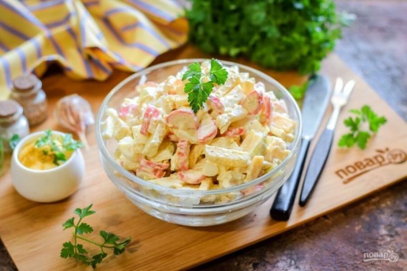 Удивим гостей? Вкусные салаты для праздничного стола (10 свежих идей!)