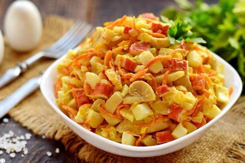 Новый салат из Крабовых палочек. Очень нежный и вкусный