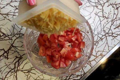Салат с кальмарами - самый вкусный и быстрый рецепт
