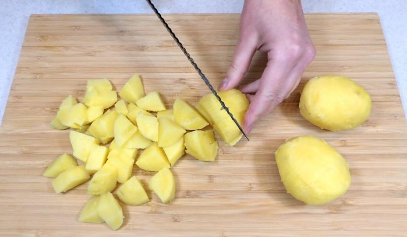 Салат со скумбрией на закуску (простой и быстрый рецепт)