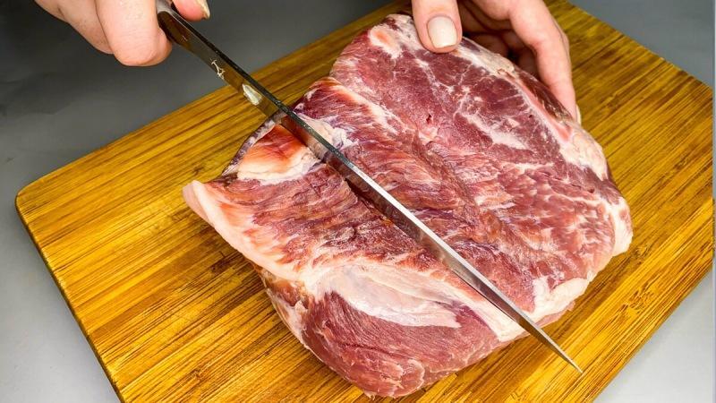 Готовлю мясо по маминому рецепту: получается очень вкусный ужин