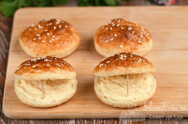 Необычные бутерброды со шпротами. Три варианта (рецепт с фото)