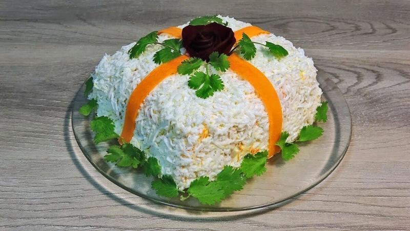 Новогодний салат, который обязательно удивит всех гостей
