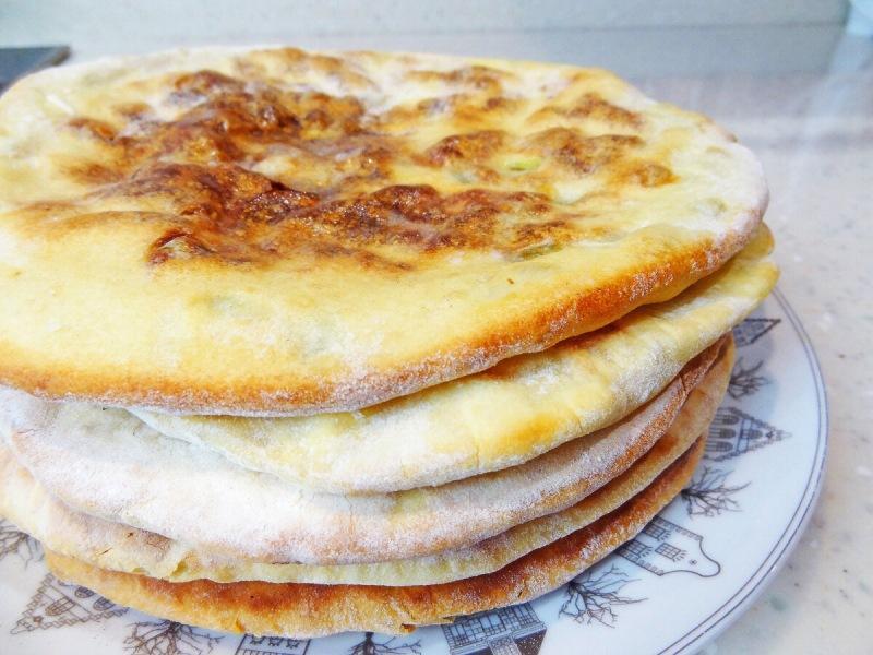 Хрустящие лепёшки на кефире с сыром и зеленью