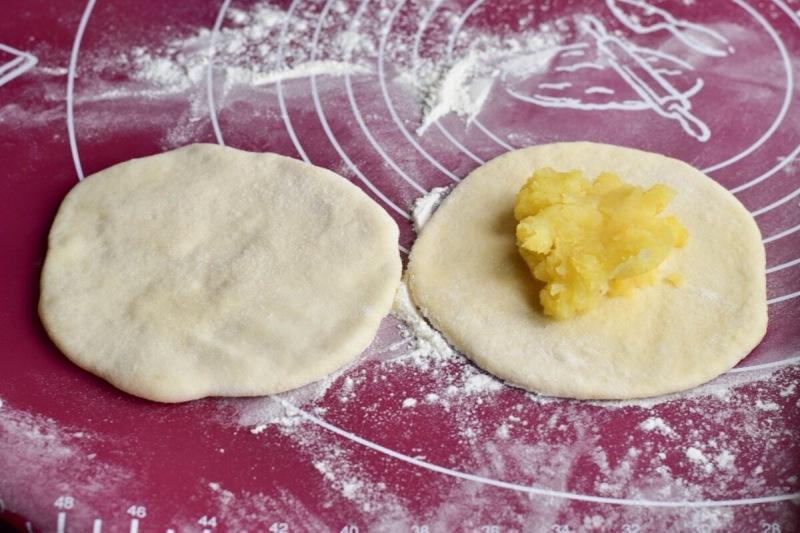 Осетинские лепешки с картофелем - мягкие, хрустящие и вкусные