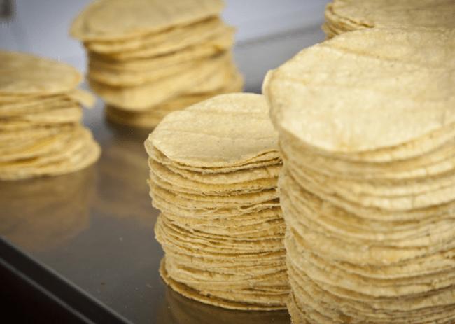 Тортилья - простая мексиканская лепешка
