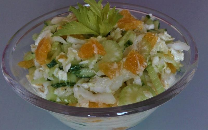 Если готовлю салат из пекинской капусты, то только так