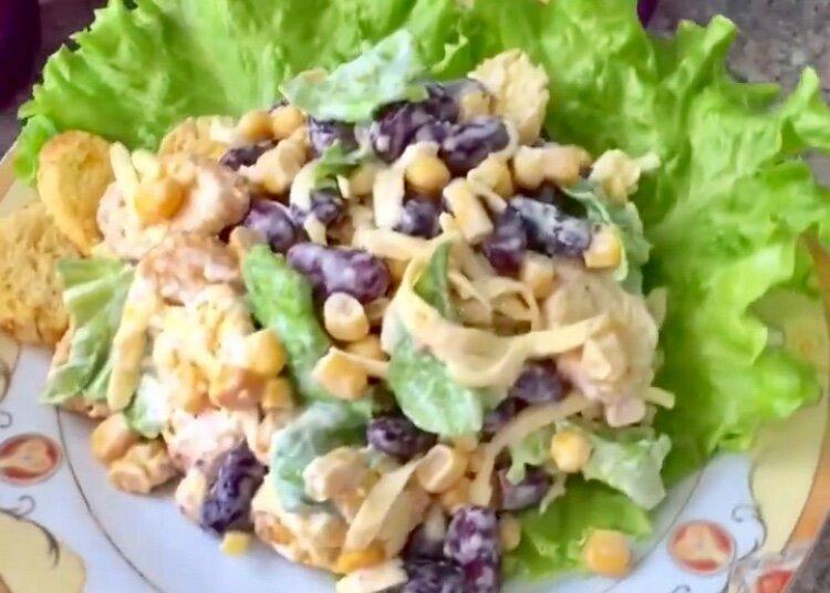 Засекла время ради интереса: салат за 5 минут
