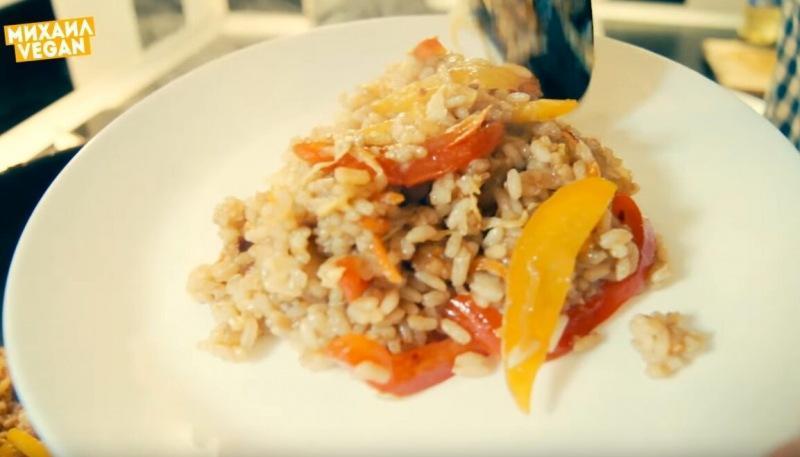 Жареный рис по-азиатски