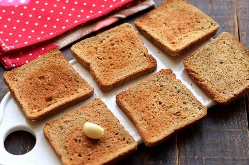 Кабачковая намазка на хлеб