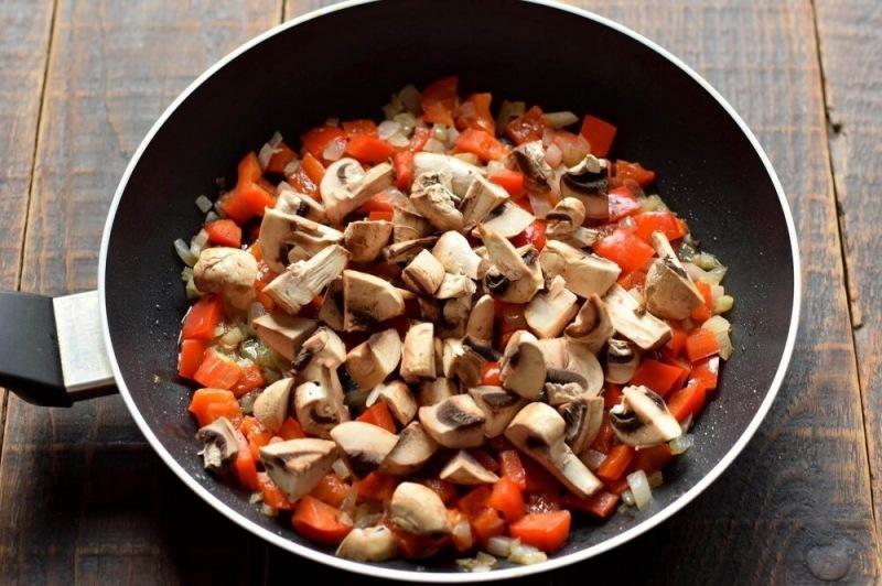 Кус-кус с грибами и овощами