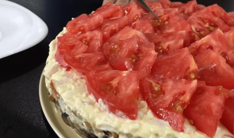 Вкуснейший слоеный салат