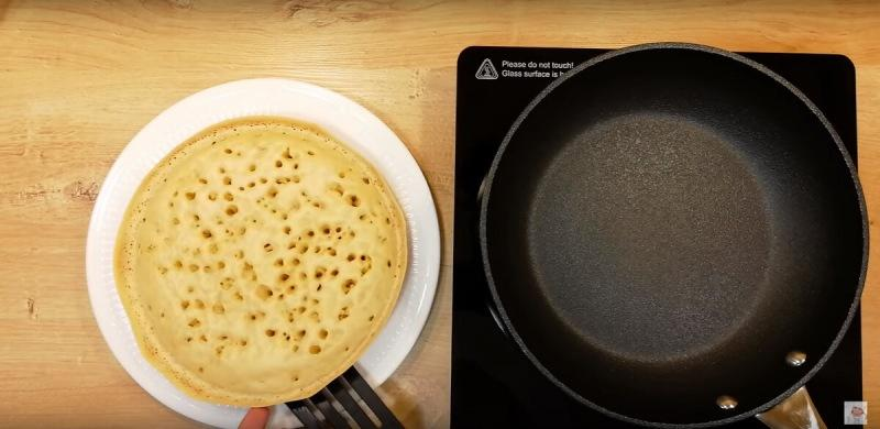 Быстрый завтрак для всей семьи. Выпечка на сковороде по-индонезийски, а продукты все наши, не заморские!