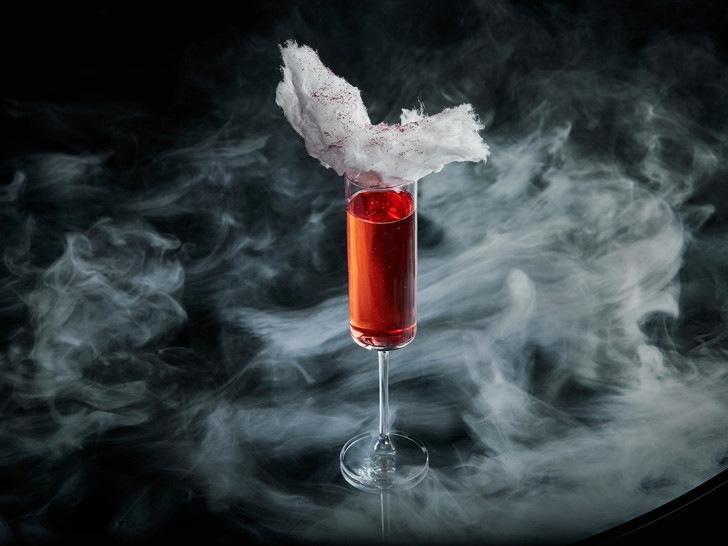 Легкость бытия: 5 необычных коктейлей с шампанским