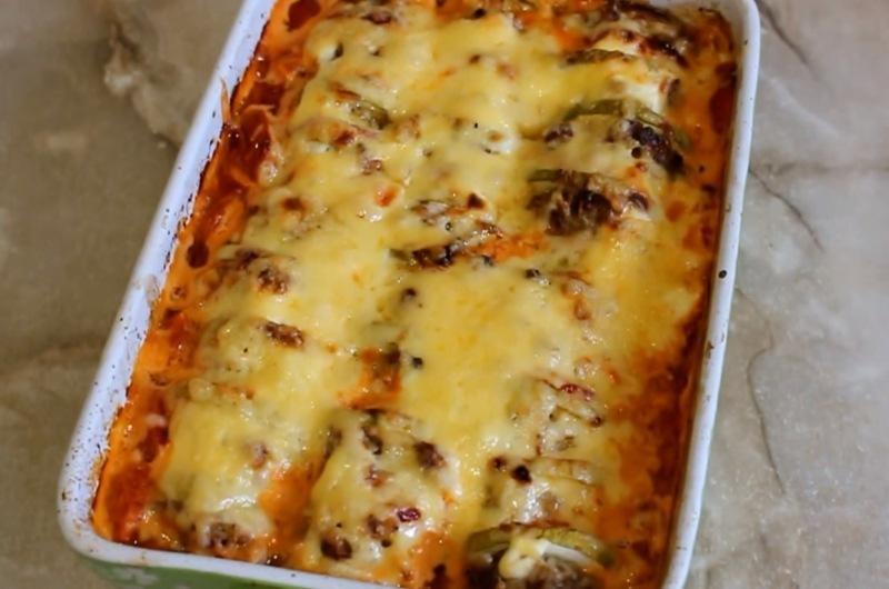 Нежнейшая запеканка из молодых кабачков - это совсем не диетическое блюдо. Летний рецепт.