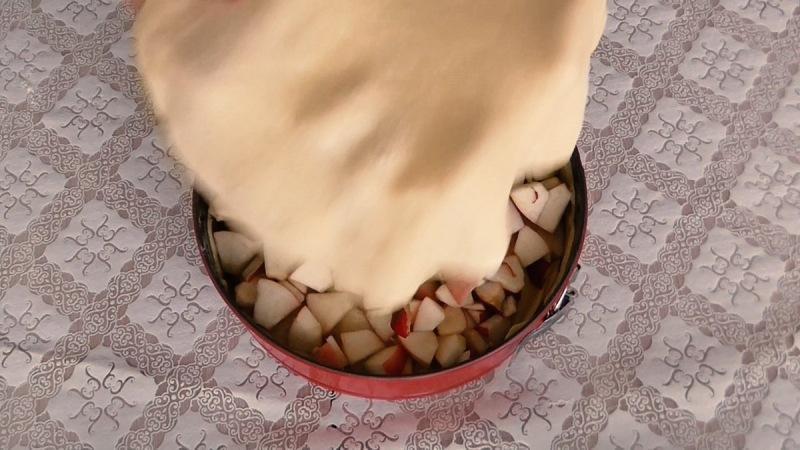 Самый вкусный яблочный пирог! Много начинки и мало теста!