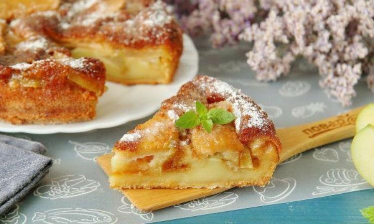 Само тесто превращается в крем - пирог с яблоками и грушами