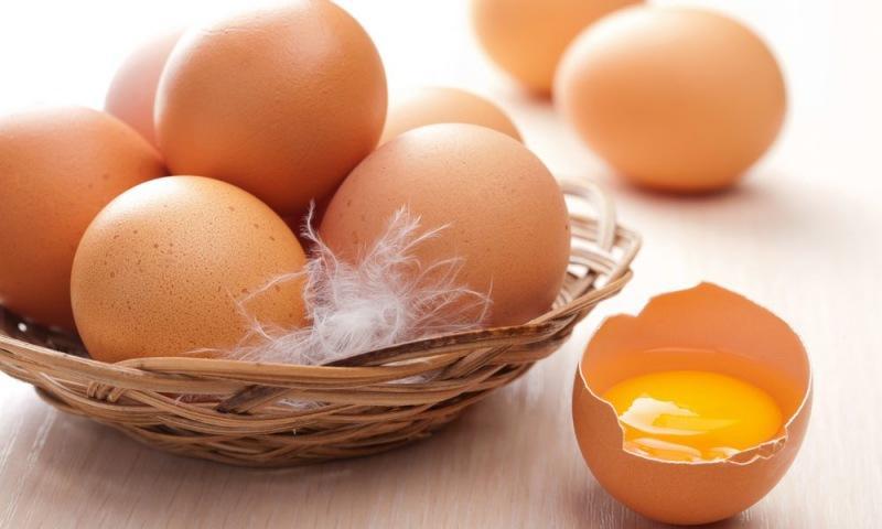 99 % обитателей Земли разбивают яйца неправильно: кулинары настоятельно просят…