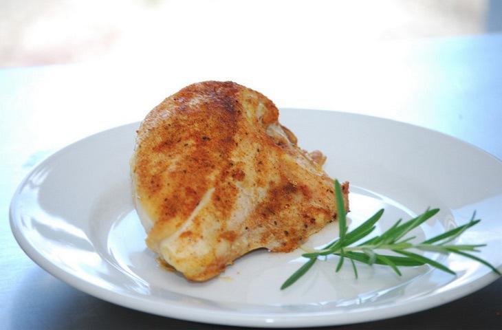 Сделайте вечно сухие куриные грудки сочными
