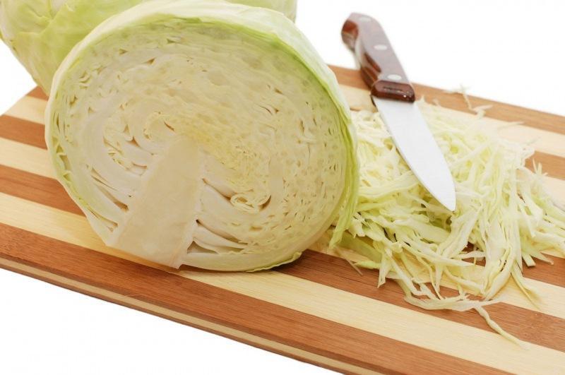 Два капустных салата, которые можно назвать деликатесными. У нас в семье съедаются «на ура»