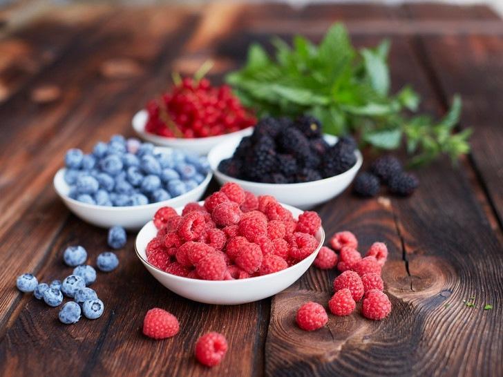Как правильно хранить фрукты и ягоды дома: 8 главных секретов
