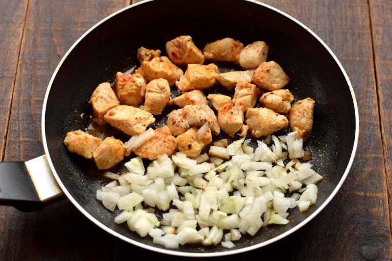 Куриное филе с цукини и кукурузой