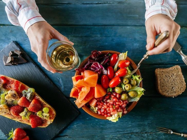 9 причин, почему нельзя отказываться от перекусов (это не просто еда)