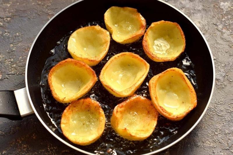 Картофельные лодочки с котлетами