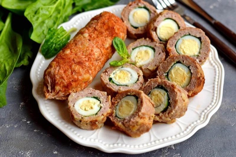 Рулетики с перепелиными яйцами