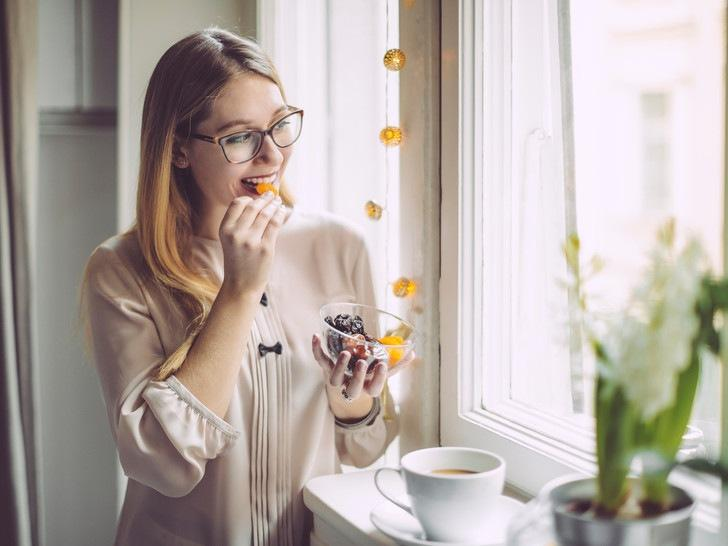 Волшебные орехи: 9 преимуществ слив для здоровья и красоты