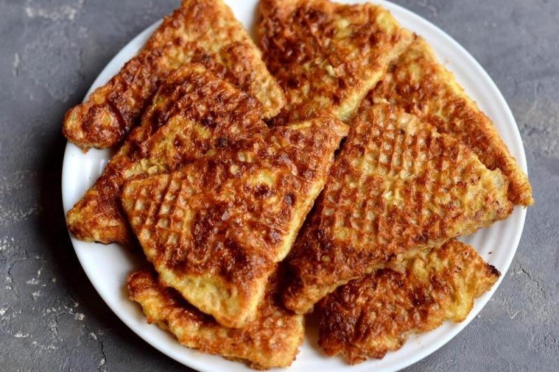 Вафельные коржи и закуска из фарша